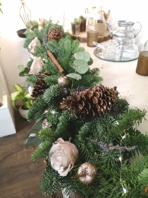 Christmas Garland Workshop Wednesday 18th December 7.00 pm DEPOSIT