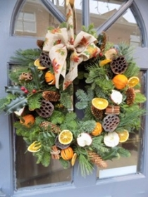 Christmas Wreath Workshop Saturday 14th December 2.00 pm DEPOSIT